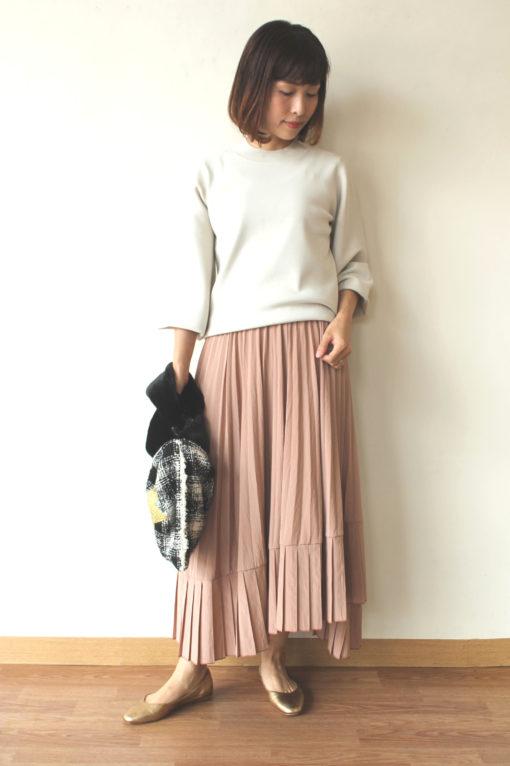 ディニテコリエ(Dignite collier)ハイネックのバルーン袖ニットプルオーバー&アシンメトリープリーツスカート~♪ 画像