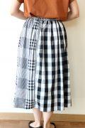 シャンブルドゥシャーム(chambre de charme)柄違いチェック切替スカート/ブラック